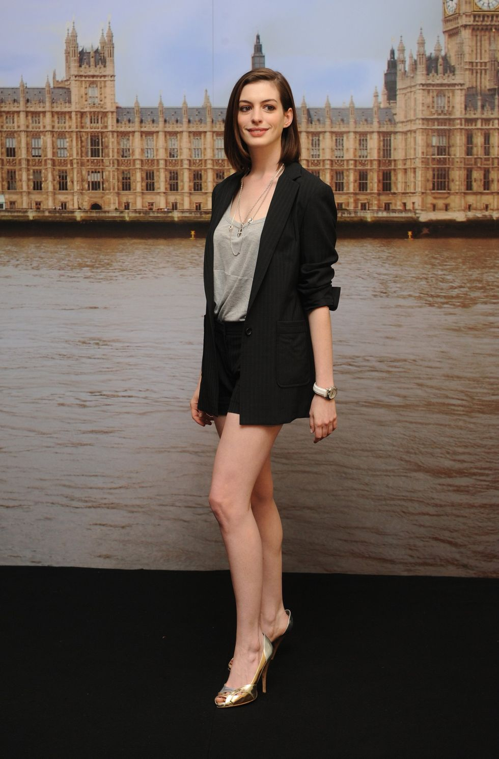 anne-hathaway-get-smart-photocall-in-london-01