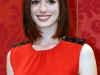 anne-hathaway-get-smart-photocall-in-rome-08
