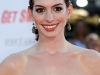 anne-hathaway-get-smart-premiere-in-los-angeles-02