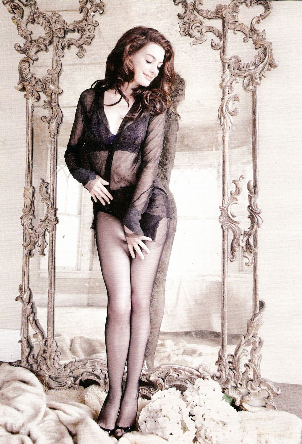 anne-hathaway-gq-magazine-march-2010-01