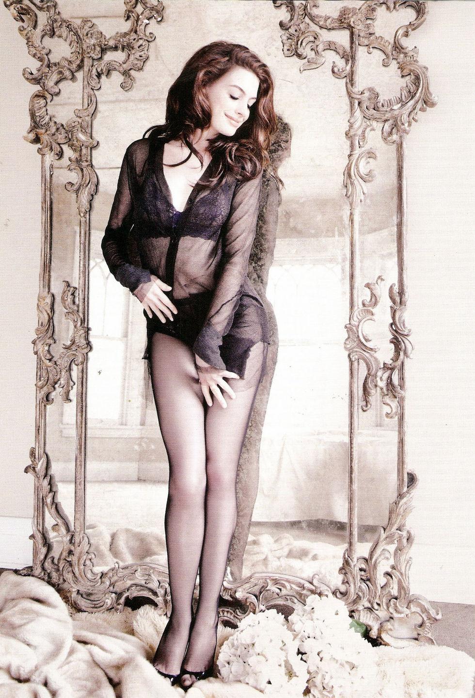 anne-hathaway-gq-magazine-march-2010-01