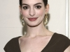 anne-hathaway-human-rights-campaigns-annual-los-angeles-gala-04