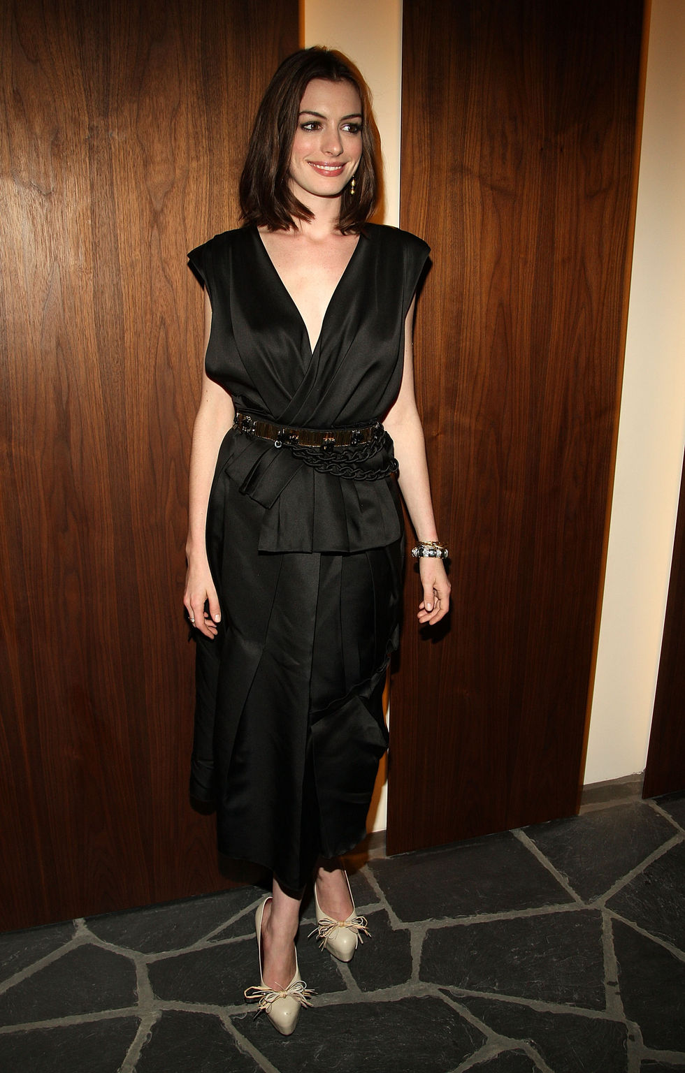 anne-hathaway-rachel-getting-married-screening-in-new-york-city-01