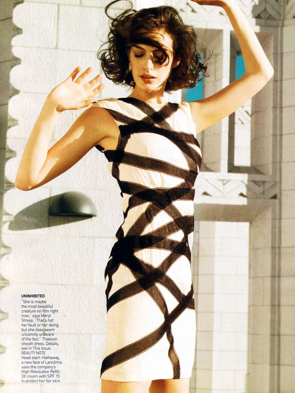anne-hathaway-vogue-magazine-january-2009-01