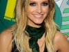ashlee-simpson-at-mtvs-total-request-live-02