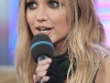 ashlee-simpson-at-mtvs-total-request-live-14