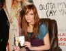 ashlee-simpson-promotes-new-single-outta-my-head-at-wal-mart-01