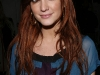 ashlee-simpson-promotes-new-single-outta-my-head-at-wal-mart-04