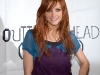 ashlee-simpson-promotes-new-single-outta-my-head-at-wal-mart-07
