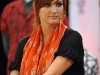 ashlee-simpson-promotes-request-at-zellers-in-canada-05