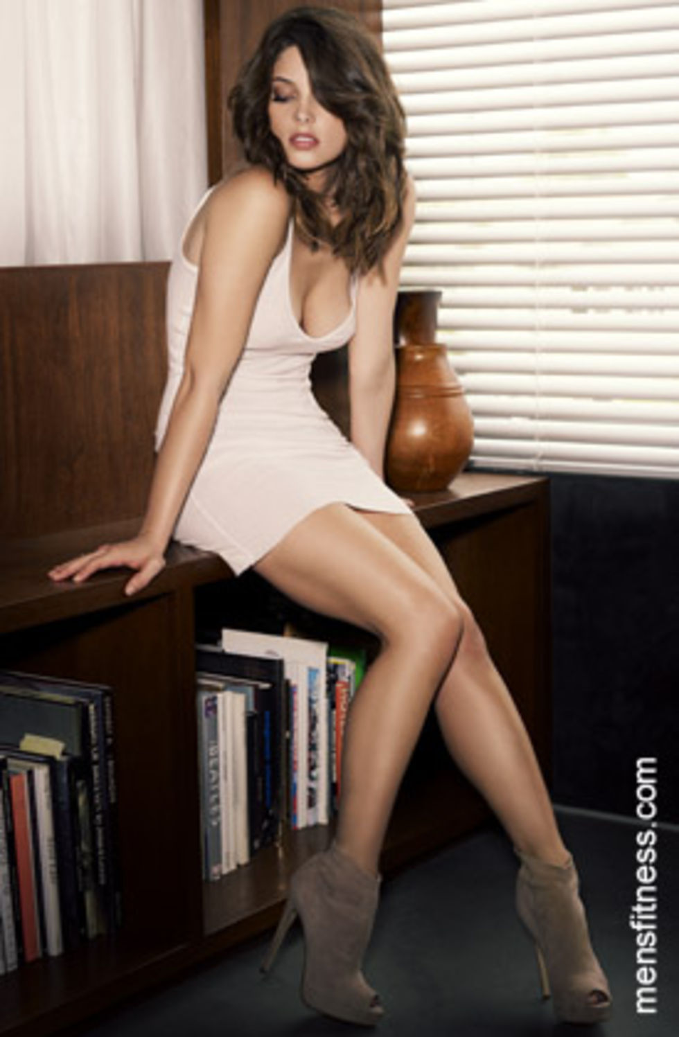 ashley-greene-mens-fitness-magazine-november-2009-lq-01