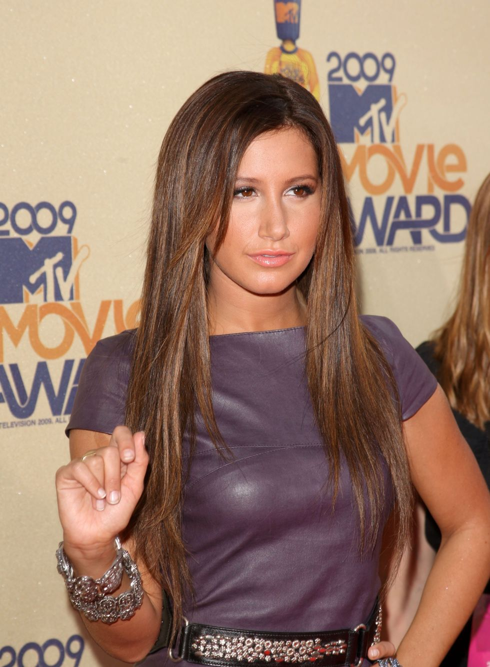 ashley-tisdale-2009-mtv-movie-awards-01