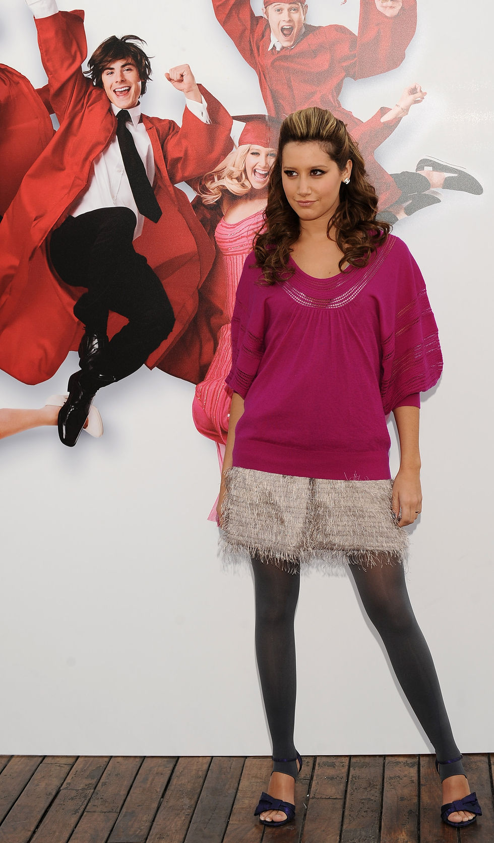 ashley-tisdale-and-vanessa-hudgens-high-school-musical-3-senior-year-photocall-in-madrid-15