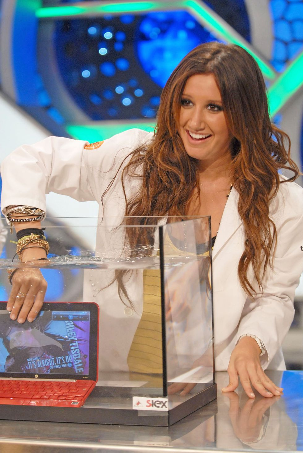 ashley-tisdale-el-hormiguero-tv-show-in-madrid-01