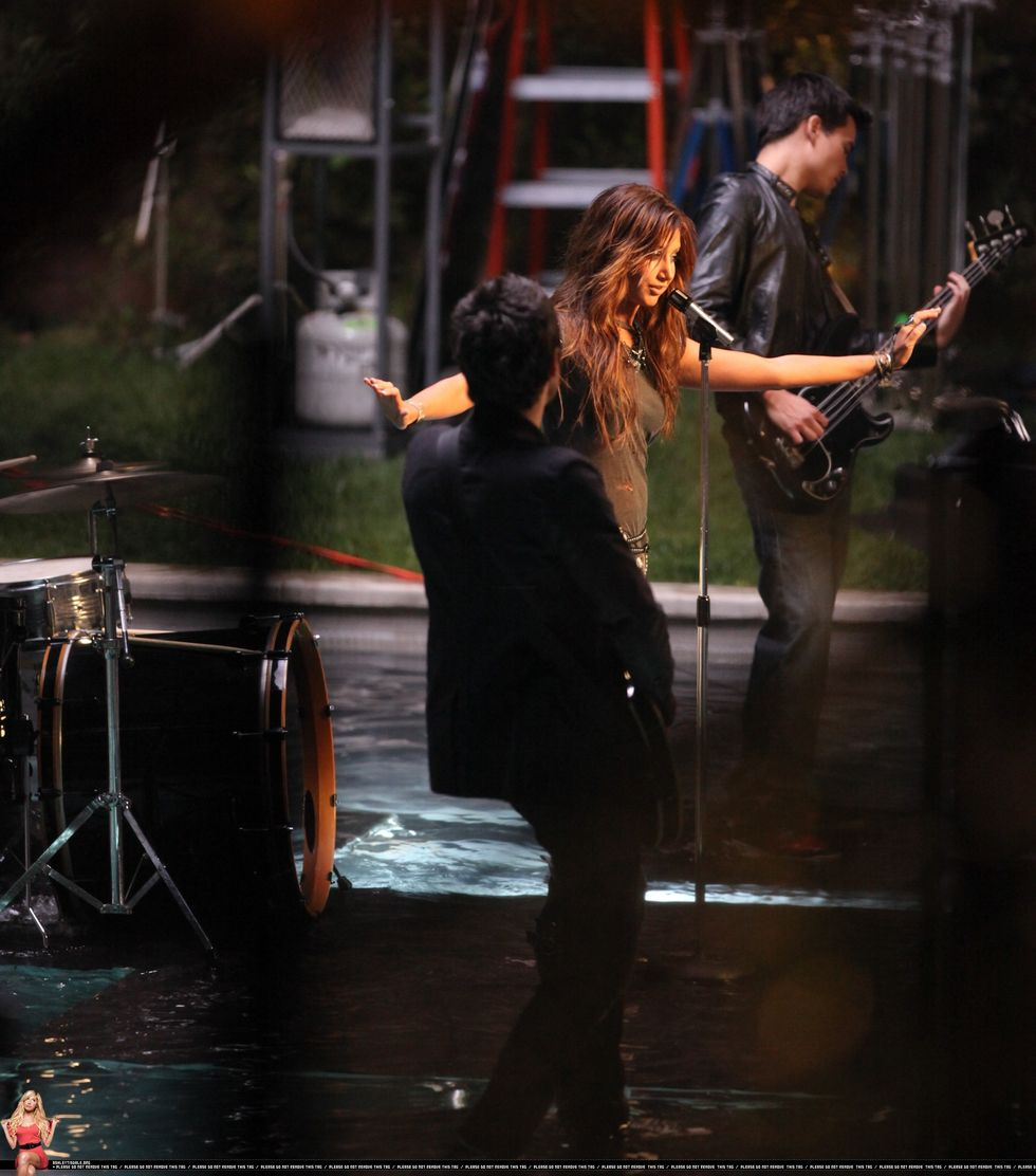 ashley-tisdale-filming-its-alright-its-ok-music-video-01