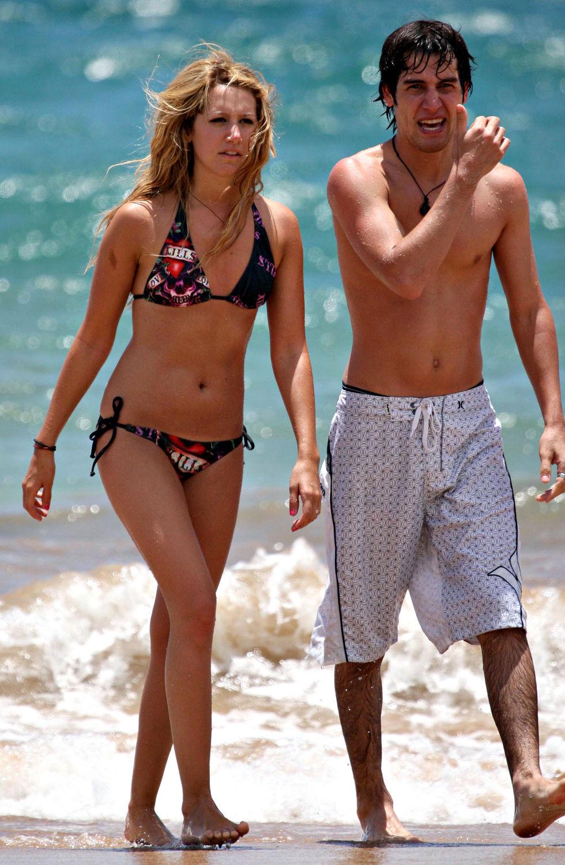 ashley-tisdale-in-bikini-on-the-beach-in-maui-01