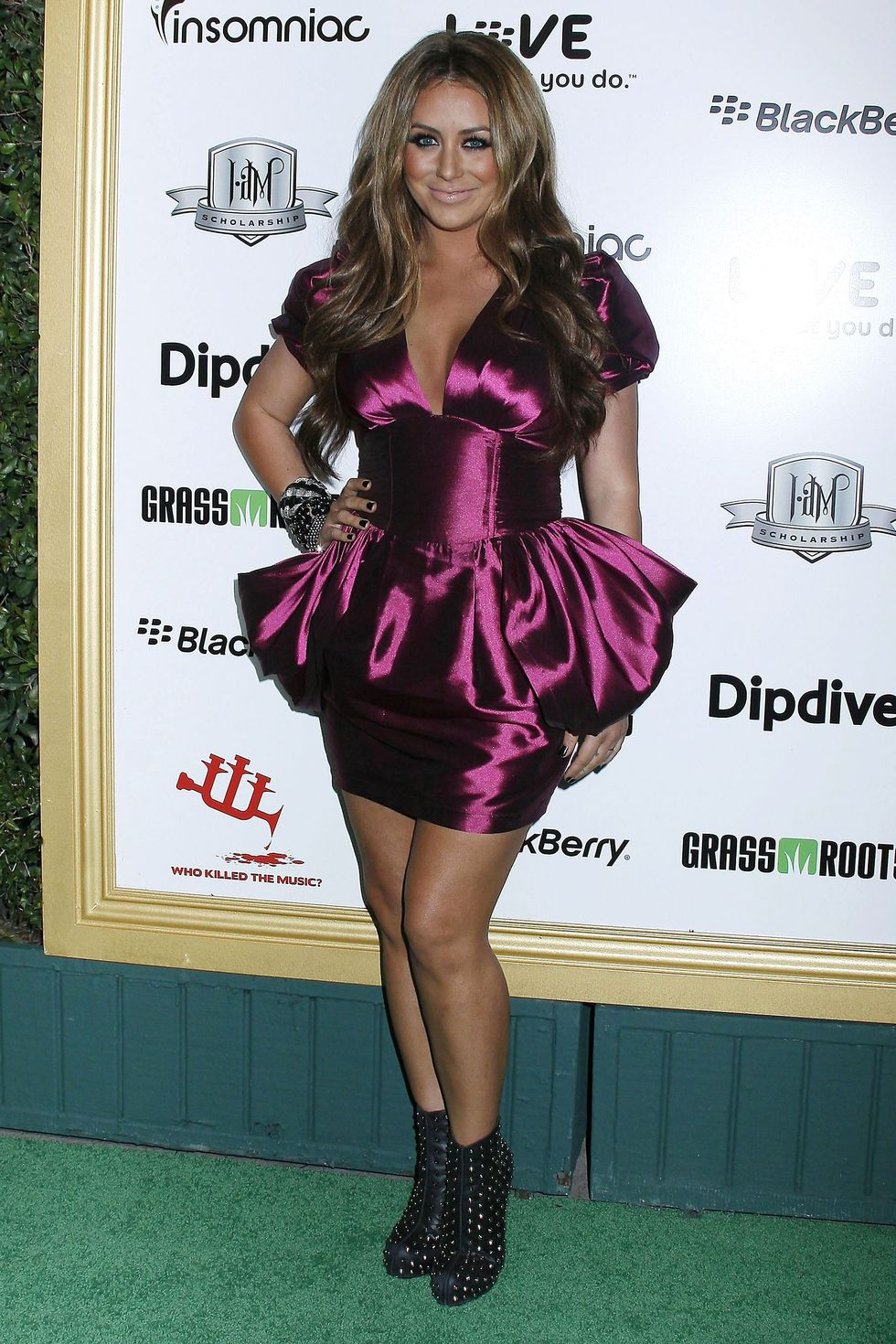 aubrey-oday-1st-annual-data-awards-in-los-angeles-01