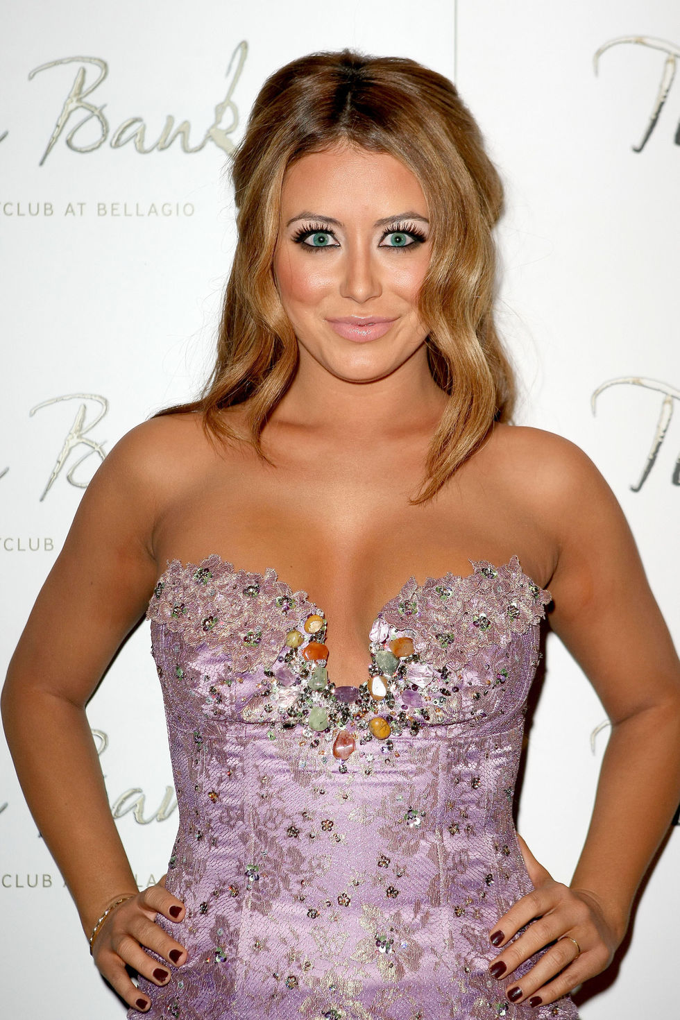 aubrey-oday-shows-cleavage-in-tight-dress-at-nick-cannons-birthday-party-01