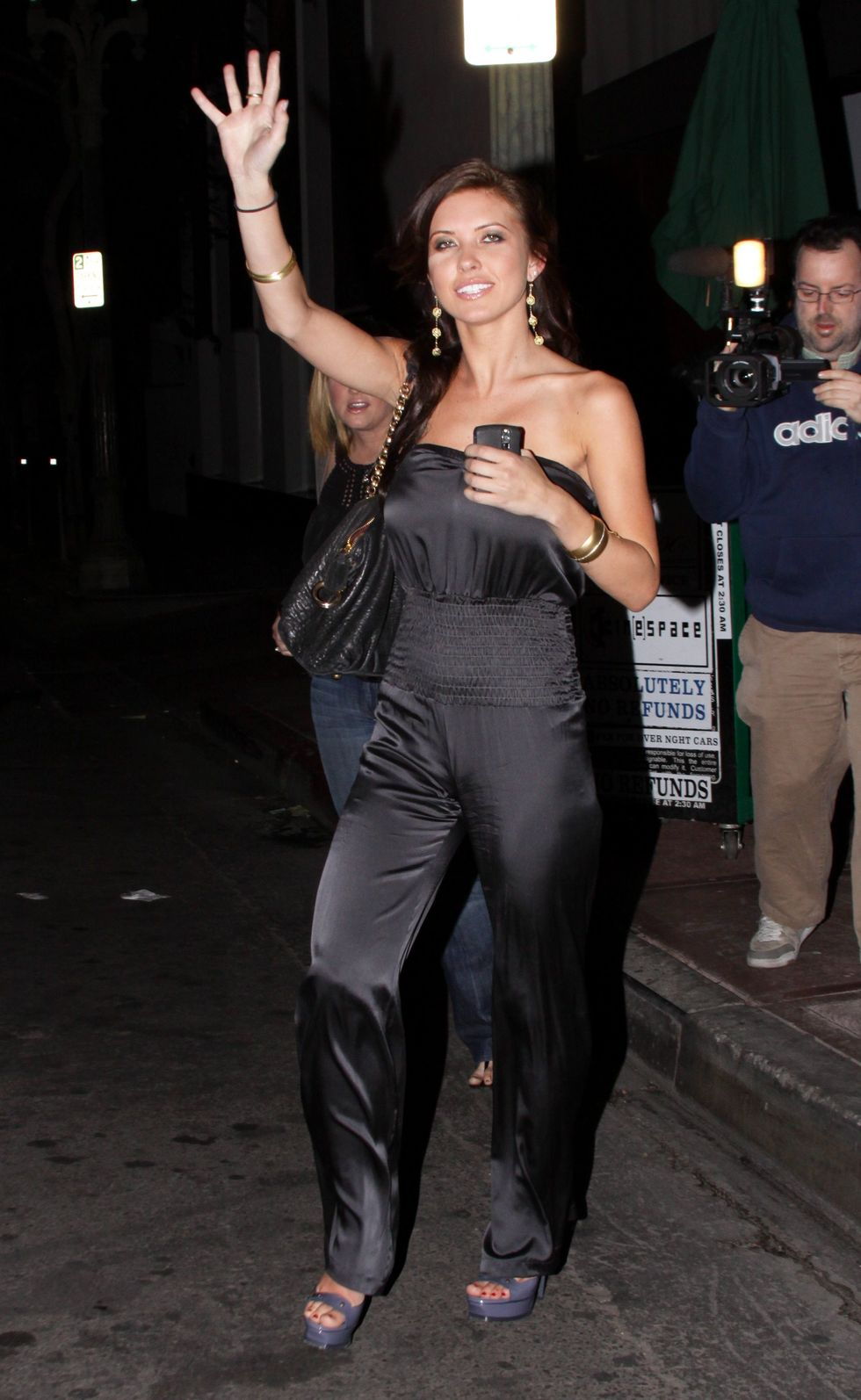 audrina-patridge-at-bar-deluxe-in-hollywood-01