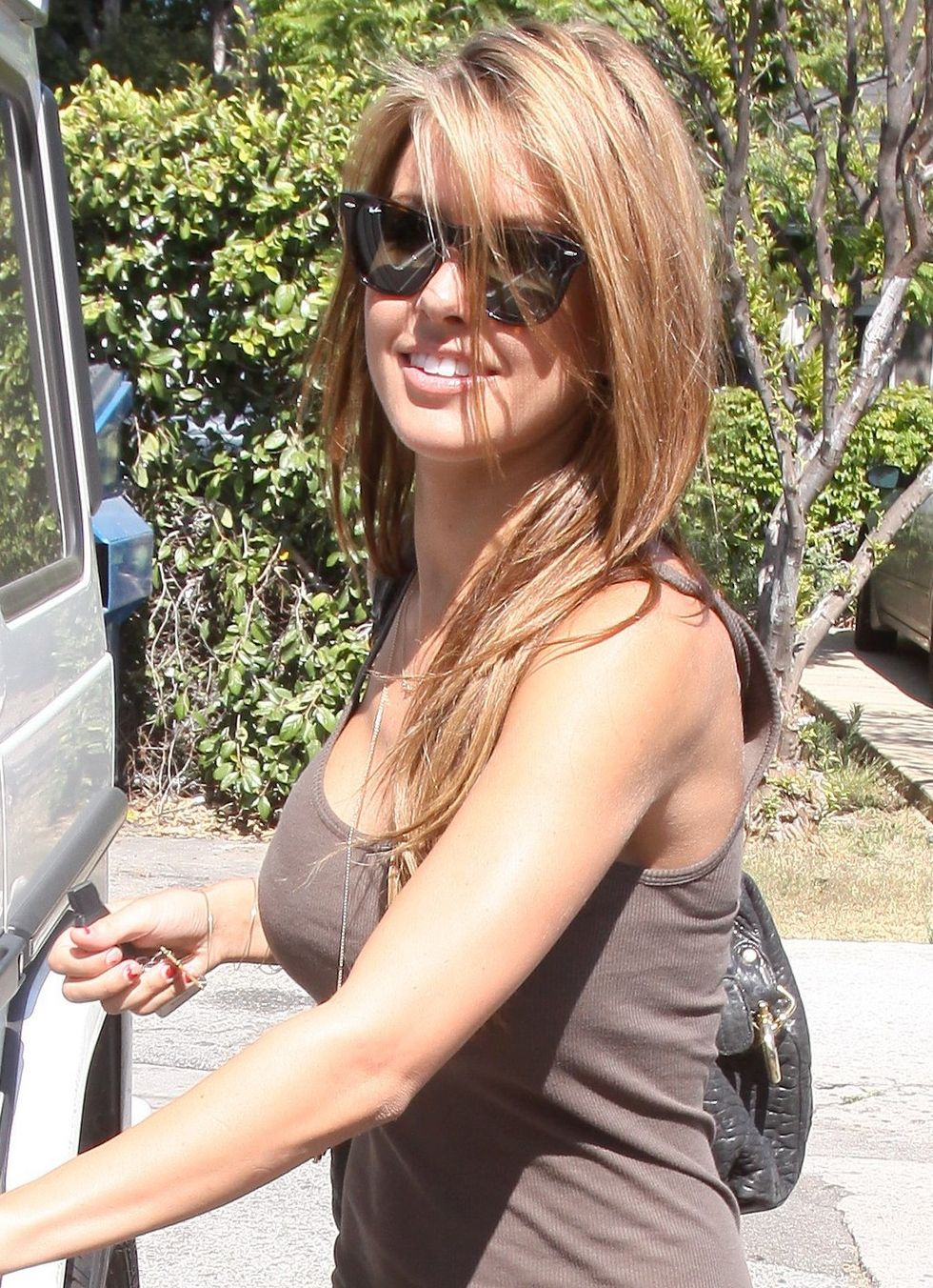 audrina-patridge-candids-at-bleu-in-los-angeles-01