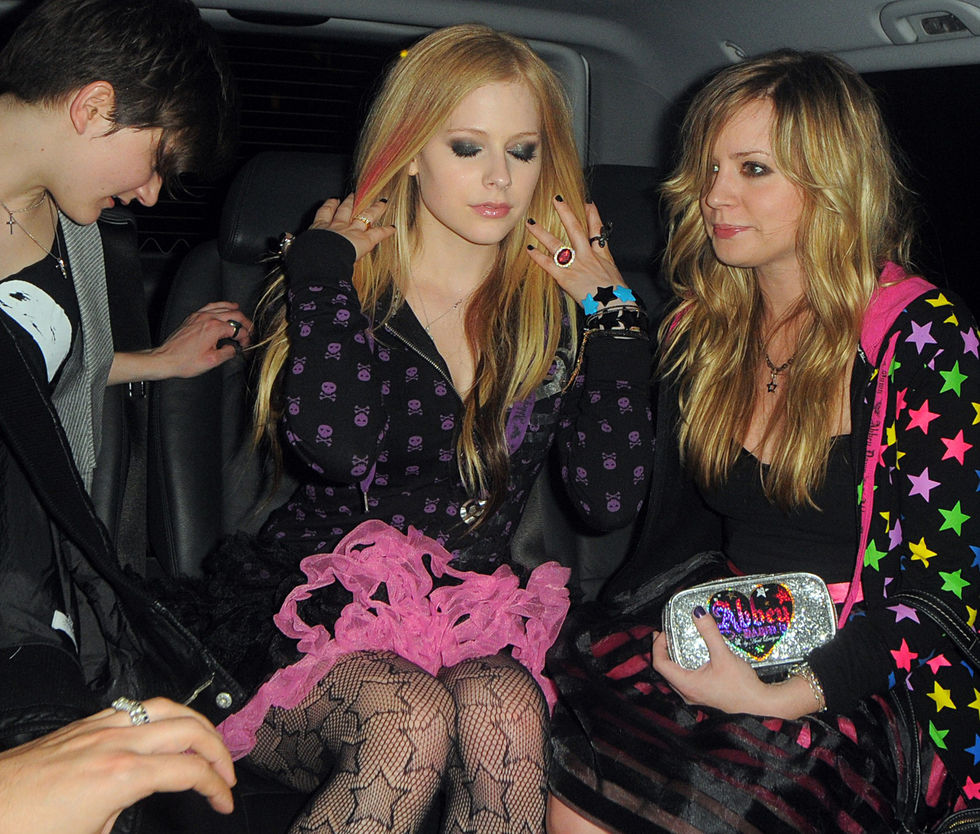 avril-lavigne-at-boujis-nightclub-in-london-01