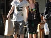 avril-lavigne-candids-at-beverly-glen-center-in-bel-air-03