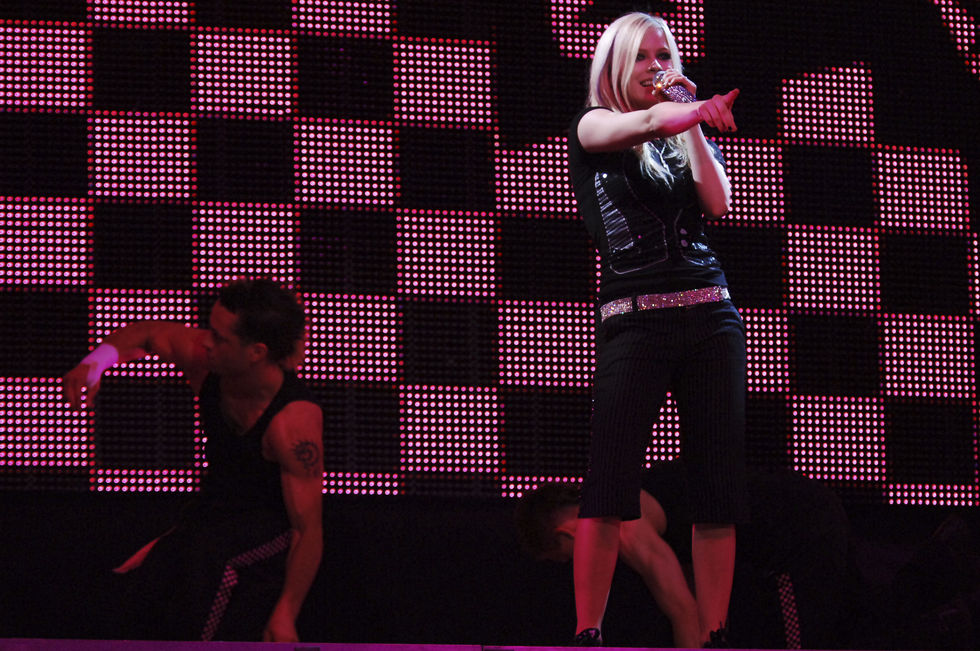 avril-lavigne-the-best-dawn-tour-performance-in-milan-08