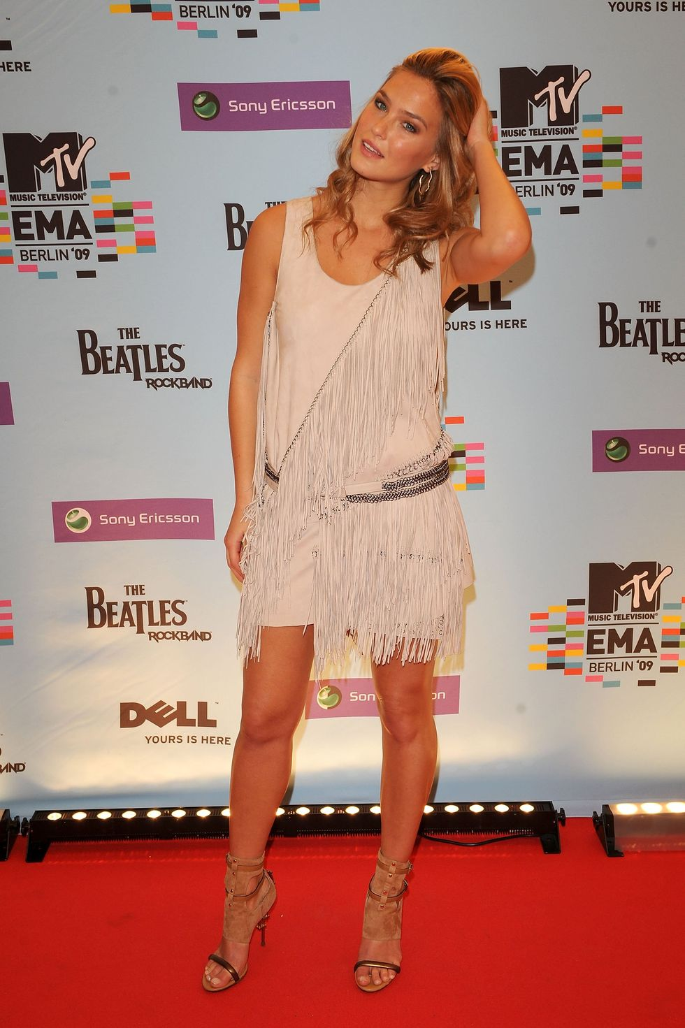 bar-refaeli-2009-mtv-europe-music-awards-01