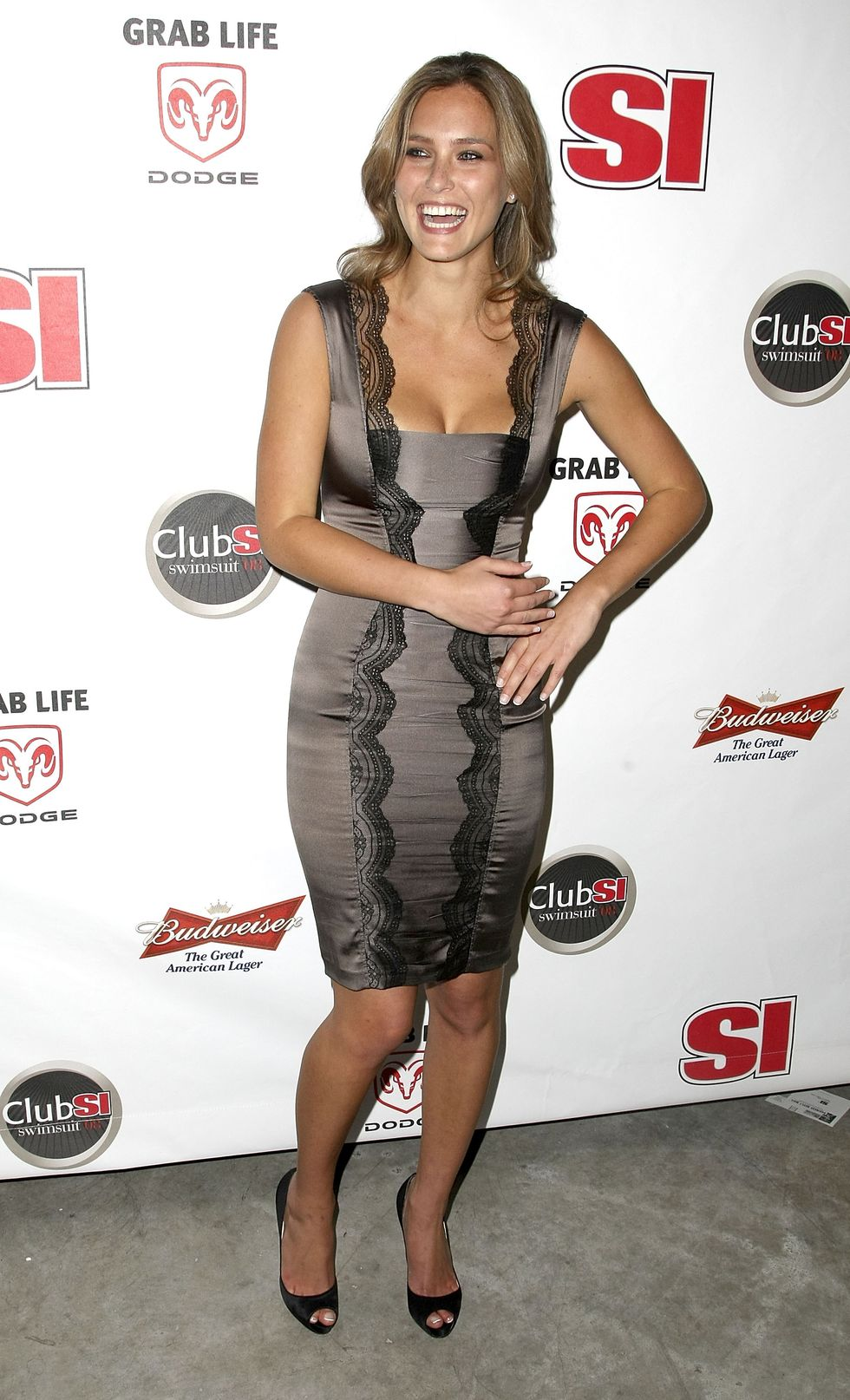 bar-refaeli-and-marisa-miller-sports-illustrated-2008-swimsuit-issue-launch-party-01