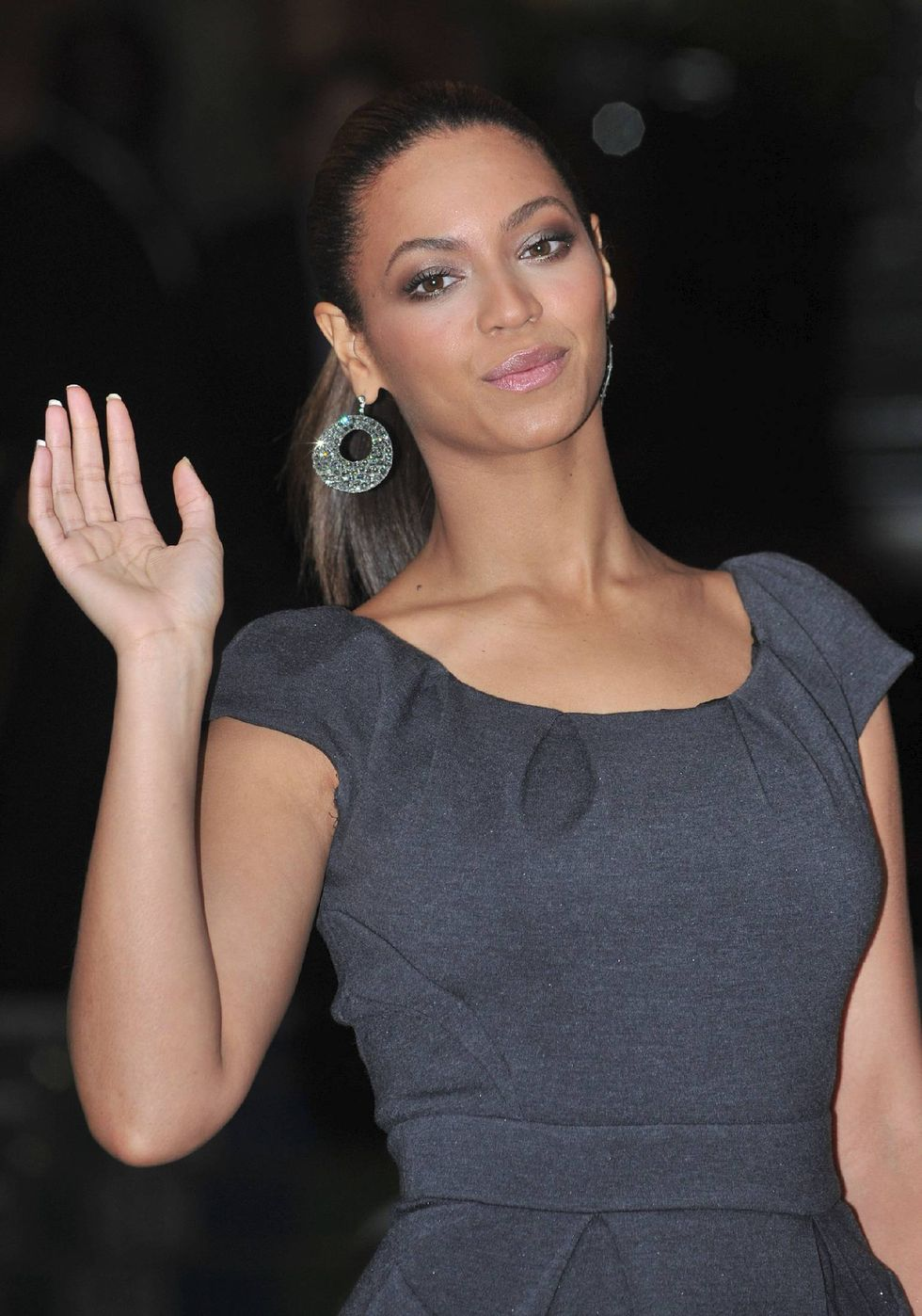beyonce-knowles-at-the-mandarin-oriental-hotel-in-london-01