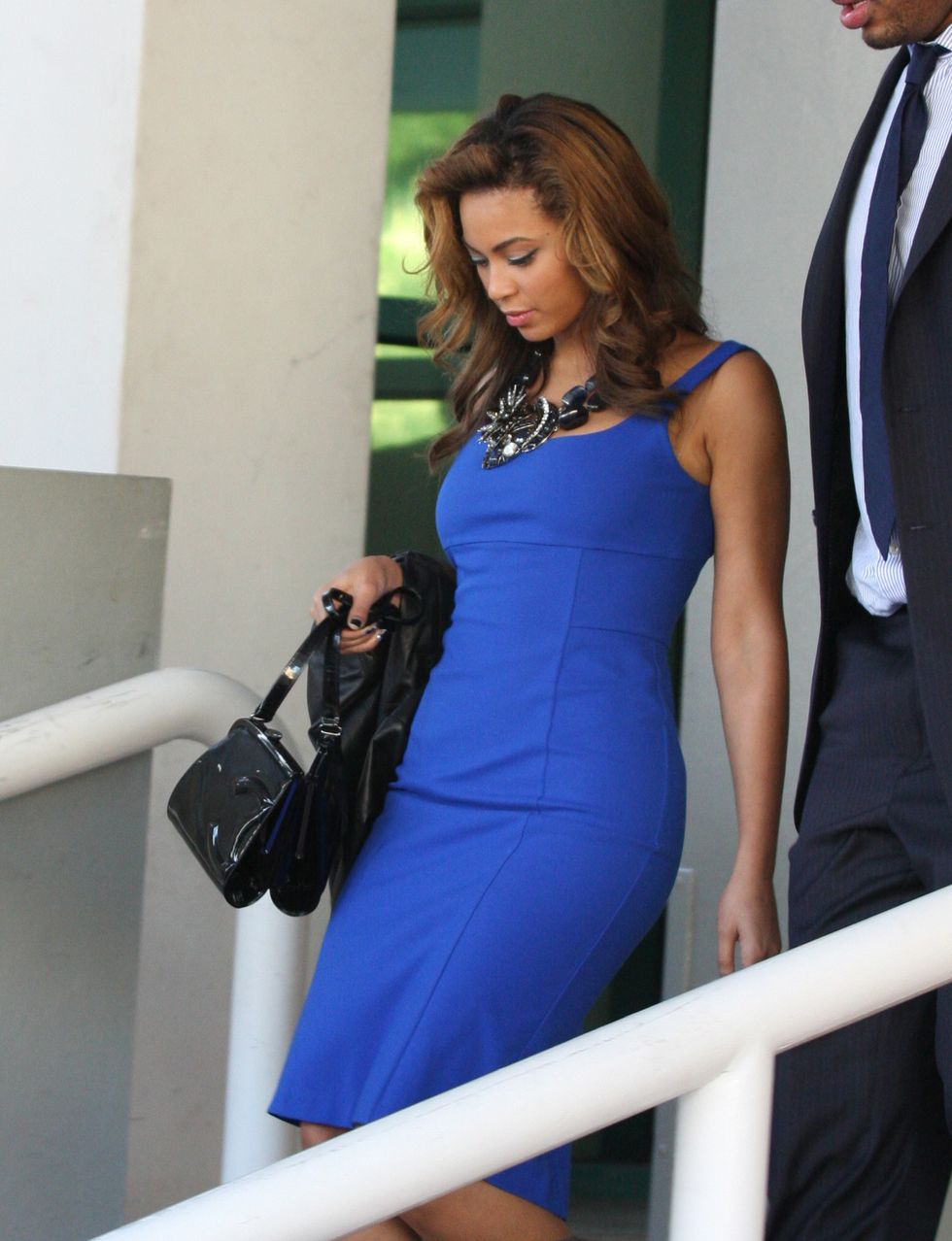 beyonce-at-the-contemporary-art-fair-in-miami-01