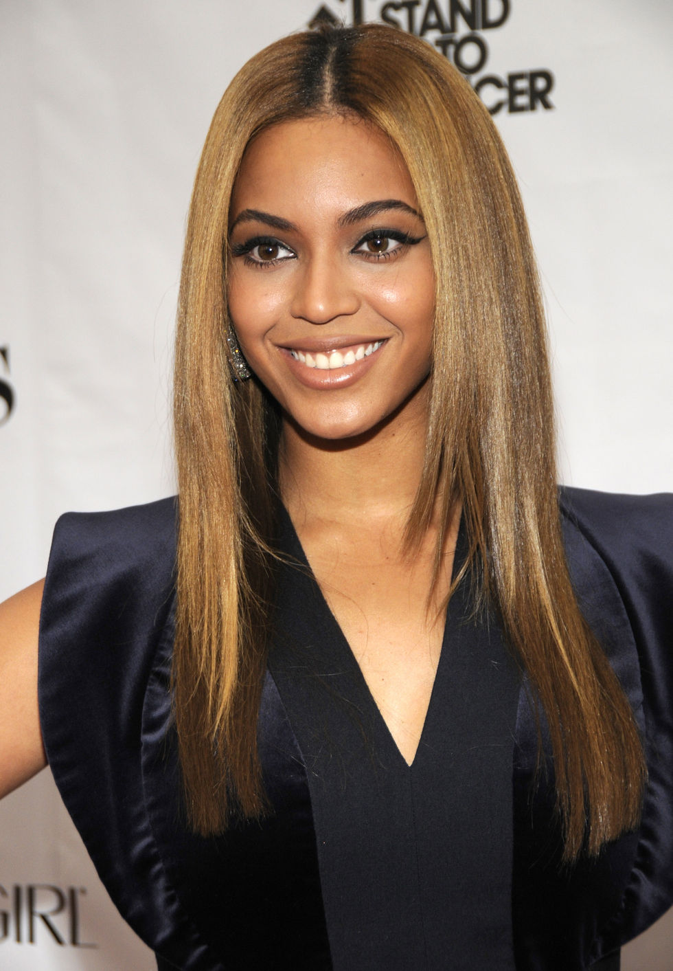 beyonce-fifth-annual-fashion-rocks-in-new-york-city-01