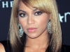 beyonce-heat-fragrance-promotion-at-macys-in-new-york-06
