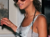 beyonce-leggy-candids-at-nellos-in-new-york-02