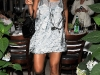 beyonce-leggy-candids-at-nellos-in-new-york-06
