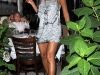 beyonce-leggy-candids-at-nellos-in-new-york-07