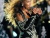 beyonce-performs-at-f1-rocks-concert-in-singapore-02