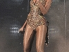 beyonce-performs-at-the-o2-arena-in-dublin-08