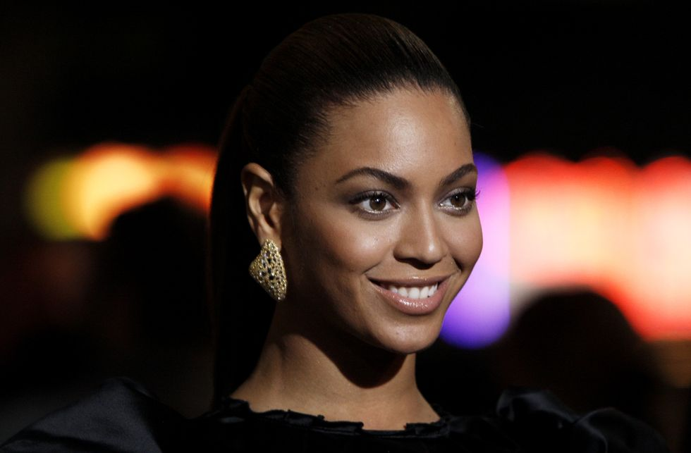 beyonce-knowles-cadillac-records-premiere-in-los-angeles-01