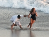 beyonce-knowles-candids-on-the-set-of-music-video-in-malibu-2-08