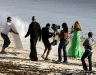 beyonce-knowles-candids-on-the-set-of-music-video-in-malibu-03