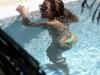 beyonce-knowles-in-bikini-in-a-pool-at-a-miami-beach-hotel-12