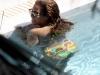 beyonce-knowles-in-bikini-in-a-pool-at-a-miami-beach-hotel-13