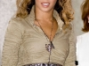 beyonce-knowles-show-your-helping-hand-hunger-relief-initiatvie-07