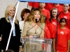 beyonce-knowles-show-your-helping-hand-hunger-relief-initiatvie-08