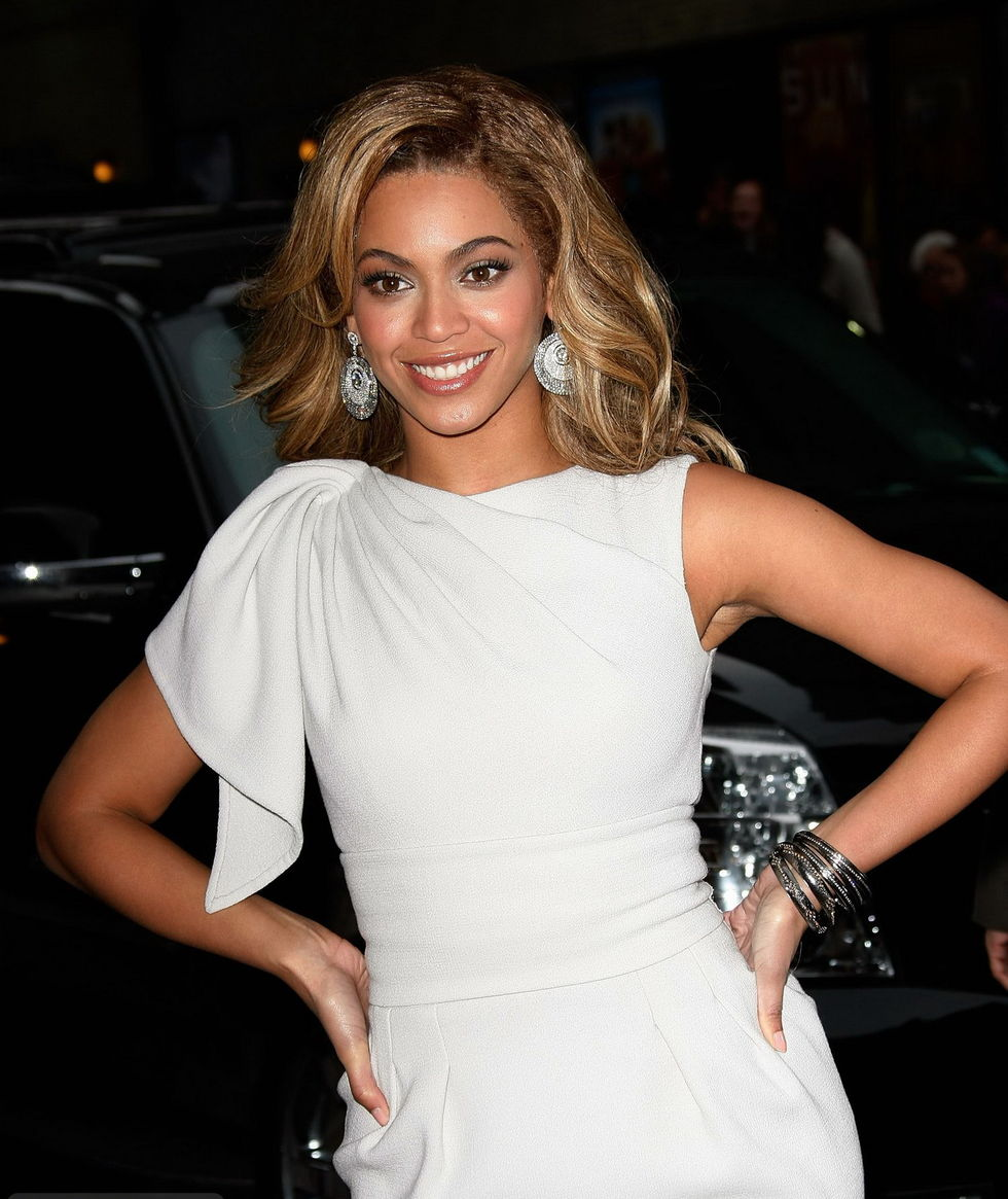 beyonce-knowles-visits-the-late-show-with-david-letterman-in-new-york-01