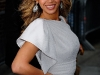 beyonce-knowles-visits-the-late-show-with-david-letterman-in-new-york-07
