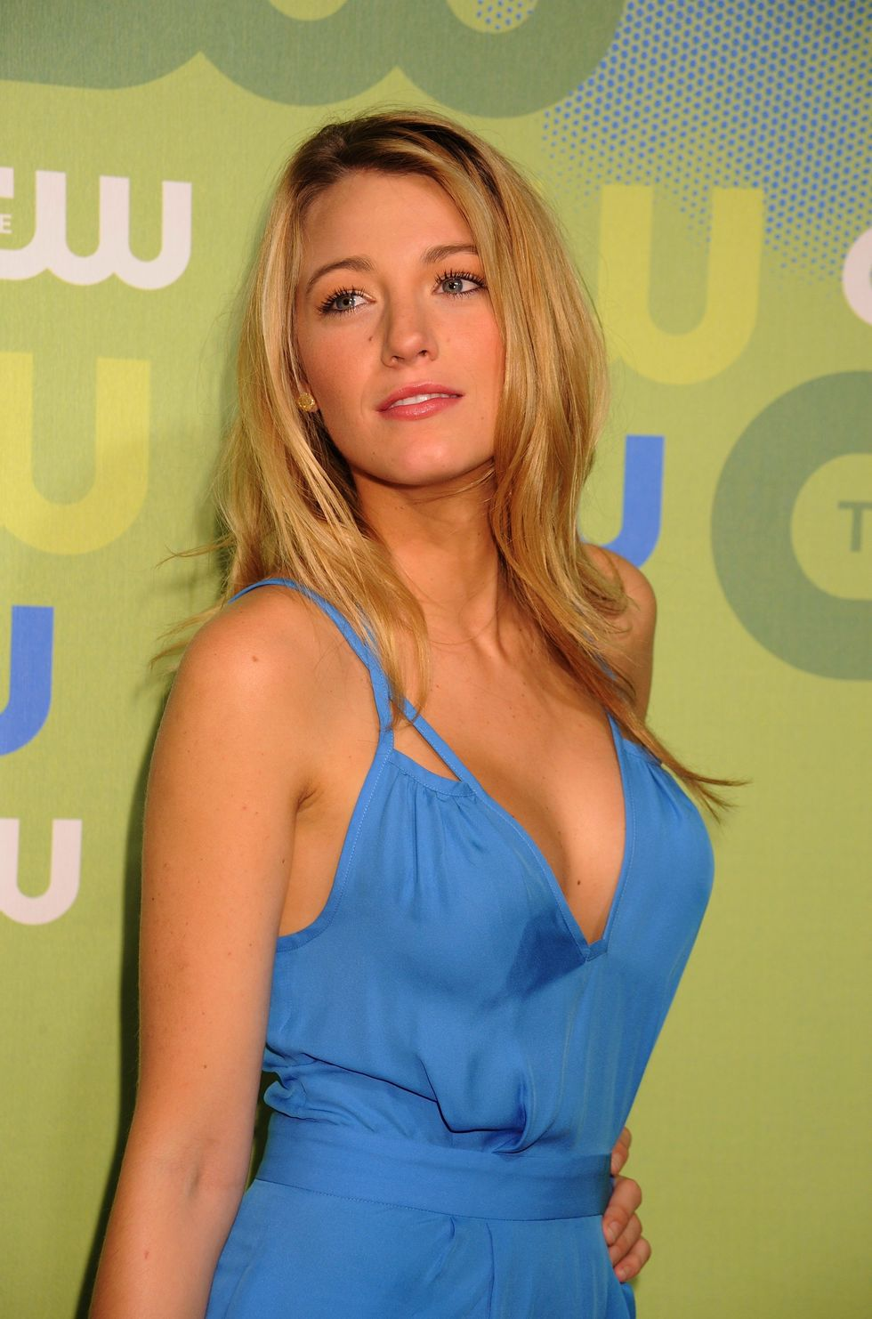 blake-lively-2009-the-cw-network-upfront-in-new-york-03