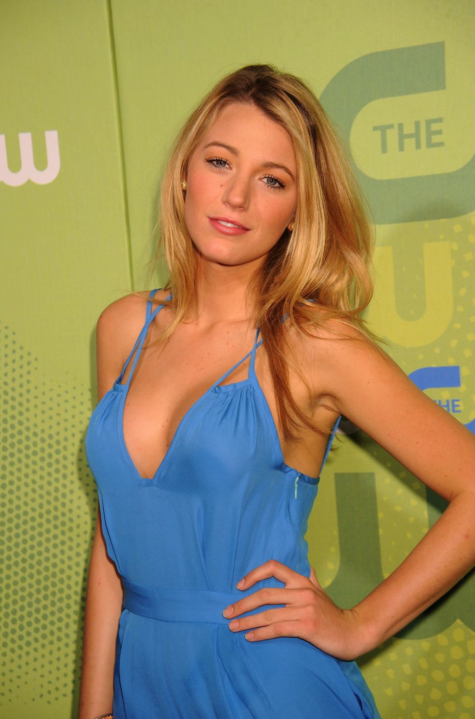 blake-lively-2009-the-cw-network-upfront-in-new-york-04