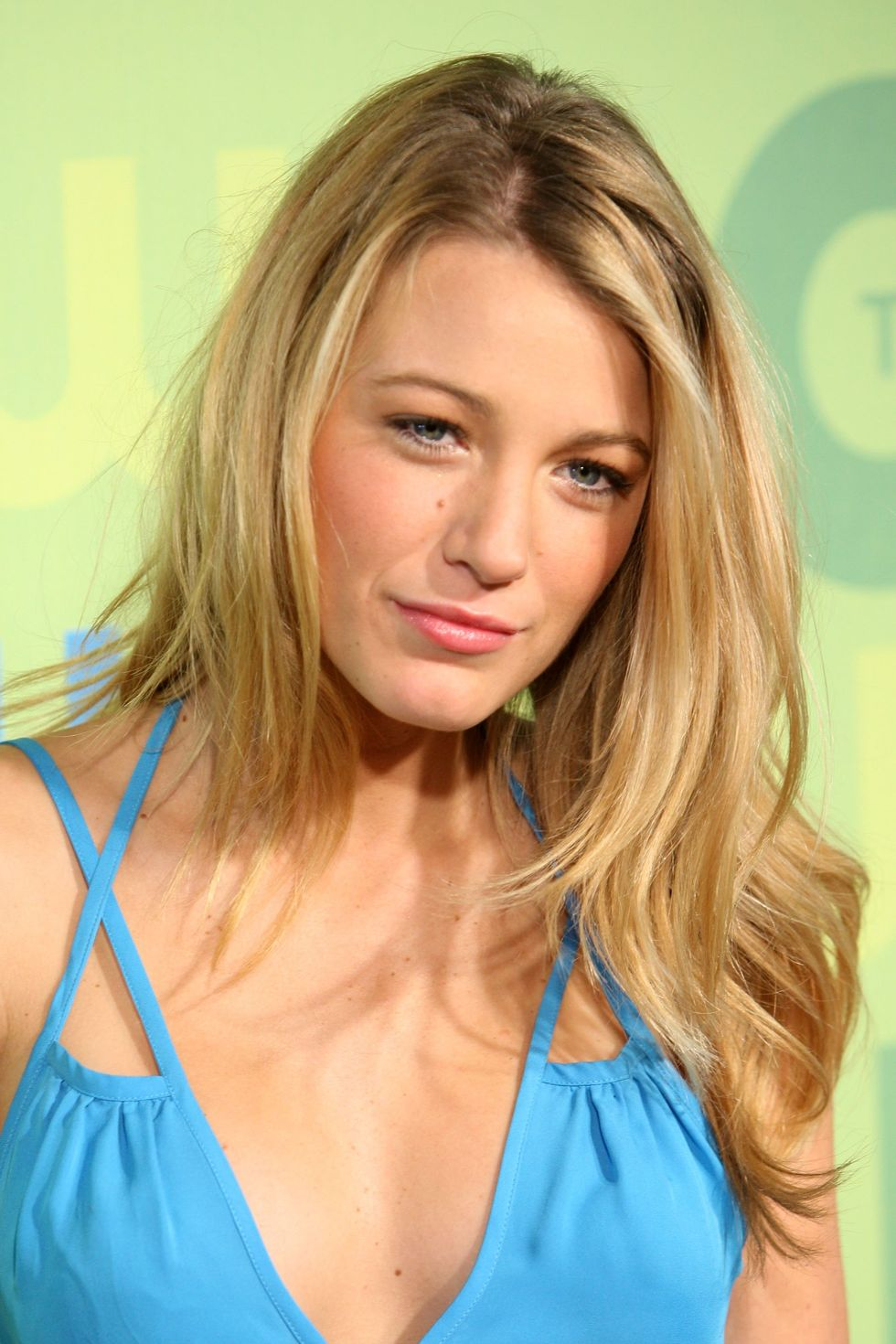 blake-lively-2009-the-cw-network-upfront-in-new-york-08